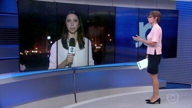 Políticos de vários partidos reagem à decisão de Moro de prender Lula - Aliados do ex-presidente dizem que o mandado de prisão foi expedido com muita rapidez. Outros políticos afirmam que a lei foi cumprida e Lula teve amplo direito de defesa.