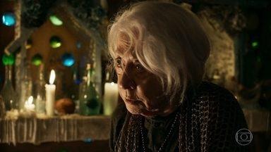 Mercedes afirma que Xodó deve contar o que sabe a Gael - O rapaz desabafa com Cleo e afirma que vai seguir as orientações da vidente