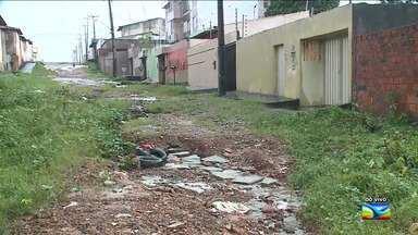 Moradores de bairro em São Luís reclama de falta de infraestrutura - Moradores do bairro Parque Pindorama, na capital, reclamam de problemas como a falta de asfalto nas ruas.