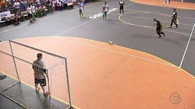 Araçatuba bate Potirendaba no jogo de ida da final masculina da Copa TV TEM - Araçatuba deu um passo importante na batalha pelo título da Copa TV TEM de Futsal na Região Noroeste Paulista. Jogando em casa nesta terça-feira, os araçatubenses saíram na frente diante de Potirendaba com uma vitória por 4 a 1, dando um passo grande na decisão masculina da competição.
