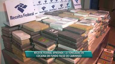 Receita Federal apreende quase 2 toneladas de cocaína - A droga estava em um fundo falso de um caminhão carregado com óleo vegetal.