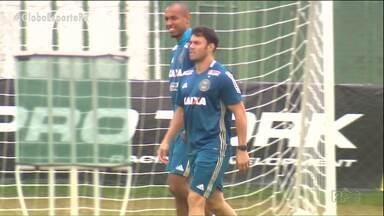 Kléber está de malas prontas do Coritiba - Atacante, principal referência técnica do Coxa nos últimos três anos, vai jogar o Campeonato Brasileiro pelo Fluminense