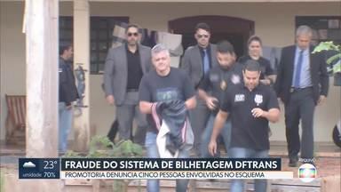 Fraude do sistema de bilhetagem do DFtrans - Promotoria de Justiça de Defesa do Patrimônio Público denunciou cinco pessoas envolvidas no esquema.