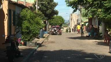 Três pessoas são atingidas por balas perdidas em Vila Velha, ES - Elas foram levadas para o Hospital Antônio Bezerra de Faria, em Vila Velha. Ninguém ainda foi preso.