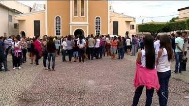 Ex-secretário de Educação de Jaguaré é enterrado no ES - Ele foi encontrado morto dentro de casa.
