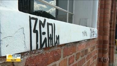 Monumentos históricos também tem marcas de vandalismo - Em Campinas e em Ribeirão Preto, pontos turísticos estão pichados.