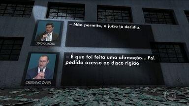 Sérgio Moro e advogado de Lula voltam a discutir durante audiência da Lava-Jato - A discussão foi durante uma audiência da Lava-Jato nesta quarta-feira (11) em Curitiba. A discussão começou quando o advogado de Lula, Cristiano Zanin, reclamou de cerceamento de defesa.