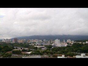 Especialista explica outono chuvoso em Governador Valadares - Nebulosidade alta impede entrada dos raios do sol.