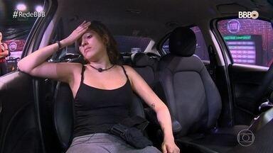 Ana Clara passa mal e Paula afirma que ela deveria desistir da prova - Ana pede para descansar no carro e recebe apoio de Gleici e Kaysar. Enquanto isso, Ayrton permanece sozinho na casa aguardando o fim da prova