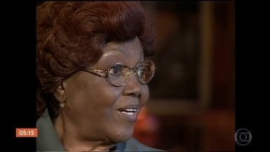 Morre Dona Ivone Lara aos 97 anos - A grande dama do samba morreu na noite dessa segunda-feira (16). Ela teve insuficiência cardiorrespiratória e estava internada desde a última sexta (13).