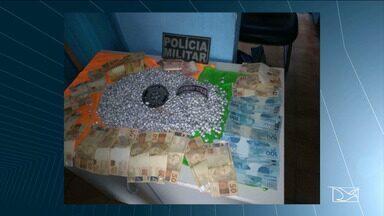 Polícia Militar apreende mais de duas mil pedras de crack no Maranhão - Apreensão aconteceu no município de Carolina e quatro pessoas foram presas.