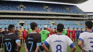 Mostramos um teste para participar da liga universitária americana - Mostramos um teste para participar da liga universitária americana, que aconteceu em Cuiabá.