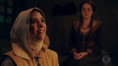 Lucrécia e Latrine conversam sobre ida a Montemor - Latrine tem a ideia de convencer a Madre a fazer a quermesse no reino