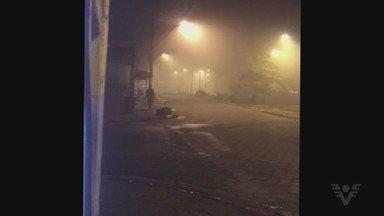 Moradores de São Vicente reclamam de fumaça constante na Vila Ponte Nova - Fumaça toma conta da região durante as noites.