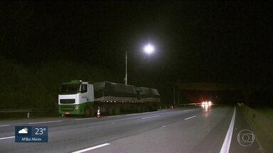 Caminhoneiro é morto em tentativa de assalto no Rodoanel - O crime aconteceu no trecho sul, na altura do km 58, região de Parelheiros.