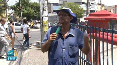 Comerciantes utilizam a alegria e a criatividade para conquistar clientes em Salvador - Durante a crise soteropolitanos utilizam de estratégias peculiares para vencer o desemprego.