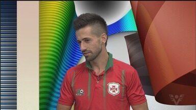 Léo Gonçalves fala sobre a preparação para a semifinal contra o Barretos - Meia é um dos destaques da Portuguesa Santista na A3.