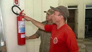 Bombeiros vistoriam prédios e postos de combustível do Ceará - Confira mais notícias em g1.globo.com/ce