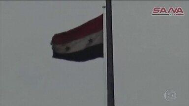 Inspetores entram na cidade Síria onde houve suposto ataque químico - Grupo recolheu amostras de material para levar para análise em laboratórios