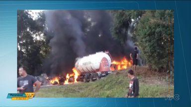 Caminhões pegam fogo após bater de frente em Paulo Frontin - Um motorista morreu carbonizado e outro foi levado com ferimentos leves para o hospital
