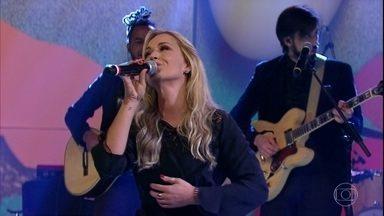"""Claudia Bossle canta """"84 Horas"""" - Cantora fez a música para o marido, o músico Champignon, e promoveu reconciliação do casal"""