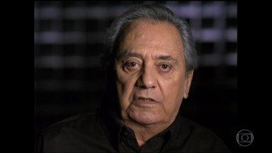 Fantástico faz homenagem ao humorista Agildo Ribeiro - Agildo foi velado neste domingo (29). Ele morreu em casa, após um mal estar, aos 86 anos. O humorista sofria de problemas cardíacos.