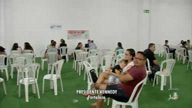 Feira do Trabalho e da Cidadania ocorre em Fortaleza - Muita gente compareceu em um shopping da capital para receber dicas de emprego.