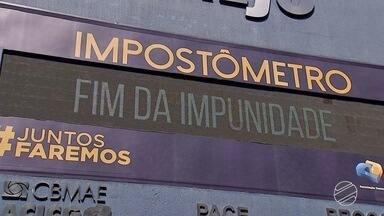 Brasileiro trabalha 150 dias por ano para pagar impostos - A informação é do Instituto Brasileiro de Planejamento e Tributação. Ou seja, de janeiro até 30 de maio, se trabalha para pagar impostos.