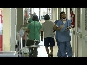 Tempo seco e frio aumentam os casos de pneumonia - Em Minas Gerais, 14 pessoas morrem diariamente por causa da doença.