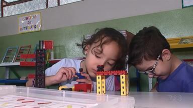 Alunos tem aula de robótica em Ponta Grossa - Isso ajuda na criatividade dos alunos.