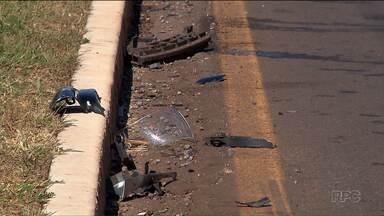 Dois jovens morrem após se envolverem num acidente de trânisto - Eles estavam na moto que foi atingida pelo carro de uma motorista que estava alcoolizada, segundo a polícia.