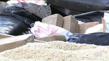Denarc apreende 150 quilos de maconha escondidos em carga de arroz - Pai e filho foram presos em flagrante por tráfico de drogas.