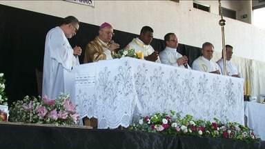 Missa em Umuarama homenageia pessoas que morreram na PR-323 - Em 2017, de acordo com a PRE, 17 pessoas morreram em acidentes na rodovia.