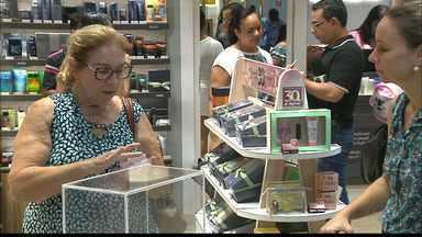 JPB2JP: Proximidade do Dia das Mães enche os shoppings da Capital - Feriado bom para o comércio.