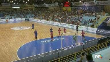 Foz recebe o Palmas pelo paranaense de futsal - Equipes brigavam pela reabilitação no campeonato.