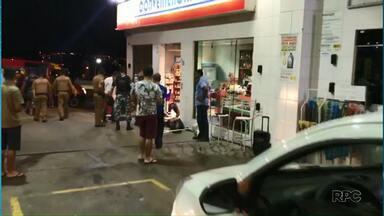Ladrão baleado durante assalto a posto de combustíveis recebe alta - Policial que também foi atingido teve ferimentos leves.
