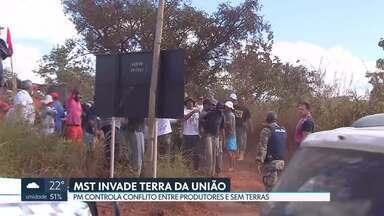 MST invade terra da União - PM controla conflito entre produtores rurais e sem terras