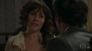 Susana aproveita a situação para se aproximar de Darcy - Ela diz ao amigo que está nervosa com o ataque sofrido na estrada e precisa de companhia. Darcy sugere que Susana durma com Petúlia