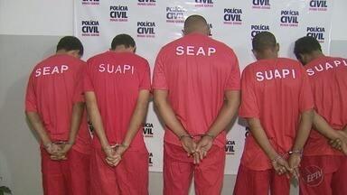 Cinco homens são presos suspeitos de furtos de fios de cobre mil em Lavras (MG) - Cinco homens são presos suspeitos de furtos de fios de cobre mil em Lavras (MG)