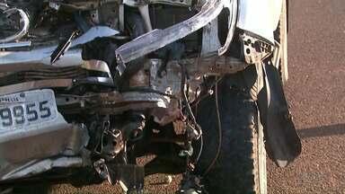 Feriadão foi de muita violência nas estradas - Onze pessoas morreram nas rodovias federais do Paraná.
