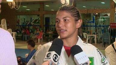 Sarah Menezes avalia primeiros meses no Flamengo-PI - Sarah Menezes avalia primeiros meses no Flamengo-PI