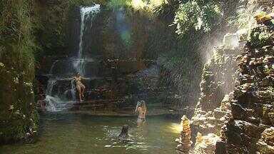 Trilha do Sol é caminho que leva a cachoeiras na paradisíaca Capitólio - Terra de Minas foi até a região.