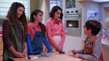 Projetando Ideias - Isaac participa de um experimento de Alice, mas tem dificuldades em entender como funciona a escola. Maya, Drica e Luiza fazem um concurso de bolos. Mel e Bruno testam as habilidades de Einstein.
