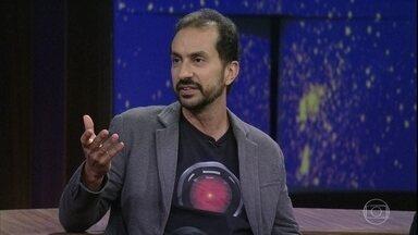 Marcelo Janot fez um resumo de '2001: Uma Odisséia no Espaço' - Convidados revelam suas interpretações sobre monolito presente no filme