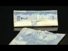 Veja o procedimento indicado para quem recebe notas de dinheiro danificadas - Comerciantes não são obrigados a receber as notas.