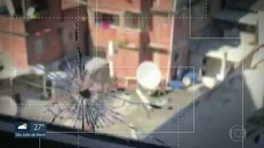PM morreu em mais um tiroteio na Rocinha - Tiroteio foi de tarde, no horário escolar. Moradores e motoristas ficaram na linha de tiro. Um policial morreu, outro ficou ferido e dois moradores também foram baleados.