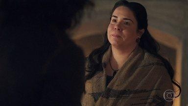 Afonso convida Brumela para ser governanta do castelo - Ela aceita o convite e diz estar honrada em voltar a trabalhar