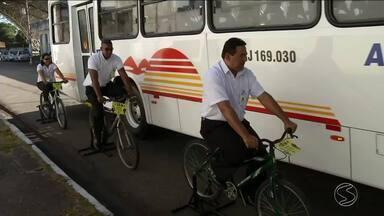 Ação educativa orienta motoristas sobre cuidados com ciclistas em Barra Mansa, RJ - Motoristas e ciclistas trocaram os papéis para aprender a conviver melhor.
