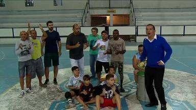 Confira a preparação das torcidas para as quartas de final da Copa Rio Sul de Futsal - Oito equipes se classificaram. Moradores de Valença sonham com o segundo título.