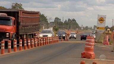 Obras na SP-425 causam novo desvio próximo ao aeroporto - Mudança ocorre no trecho de Presidente Prudente.